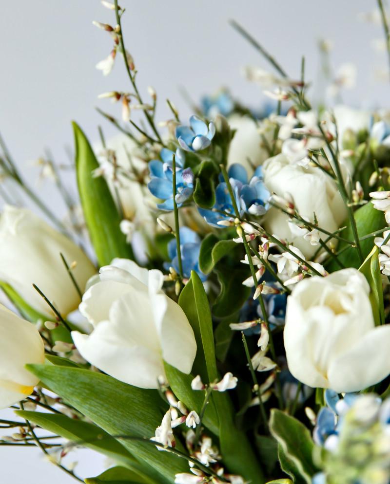 Бело-голубой букет №60
